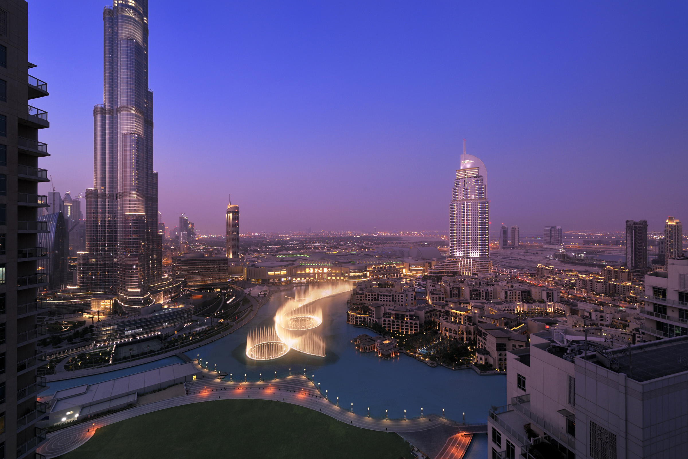 dusck view downtown dubai