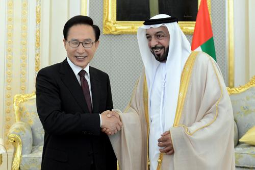 صور الشيخ خليفة بن زايد ال نهيان (26)