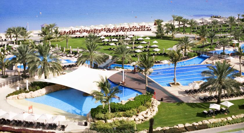 ﻣﻨﺘﺠﻊ وﻣﺎرﻳﻨﺎ ويستن دبي شاطئ الميناء السياحي